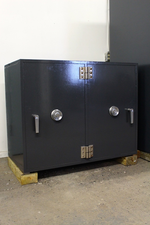 Used Diebold Double Door Tl30 Equivalent High Security