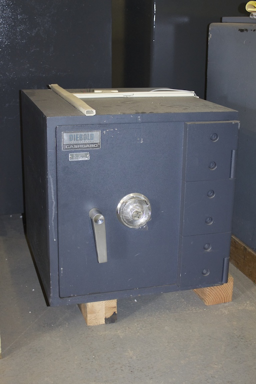 Used Small Diebold Tl15 High Security Safe Lackasafe