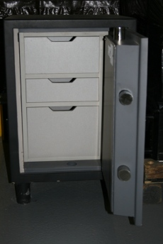 2216 Original Enforcer Showroom Model Safe
