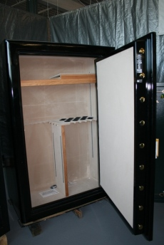 Safari Safe Dangerous Game Dg 7250 Showroom Model Gun Safe