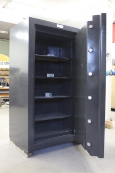 Used Fichet Bauche Model GC 600 Bankers TRTL30X6 Equivalent High Security Safe