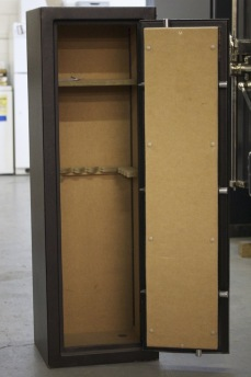 Trade Show Used Amsec Tf5517 Gun Safe With Mechanical Lock
