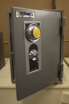 Small Fire Safe Used Brinks 1 Hour Protection Lackasafe