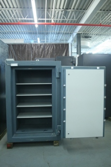 Used ISM Super Treasury 4426 TRTL30X6 High Security Safe