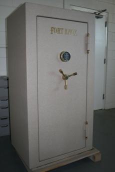 Used Fort Knox Defender Gun Safe 6031 Showroom Model Safe