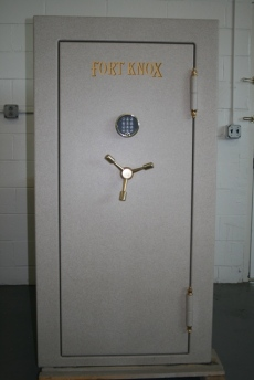 Used Fort Knox Defender Gun Safe 6031 Showroom Model Safe