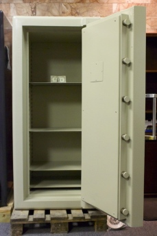 Used Tann Jewelers 5723 TRTL30X6 Equivalent High Security Safe