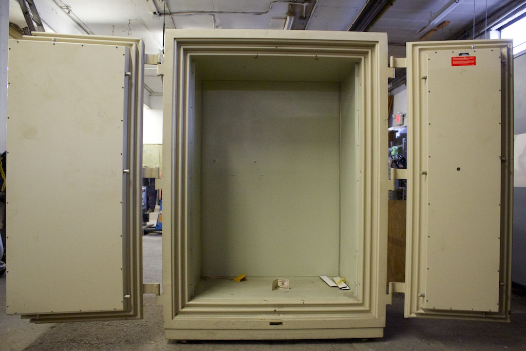 Pre Owned Diebold 4 Hour Double Door Fire Safe - lackasafe